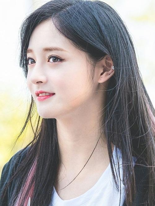 Kyul Kyung đang đẩy mạnh hoạt động ở Trung Quốc, cô nàng được kỳ vọng như một Victoria (F(x)) thứ 2.