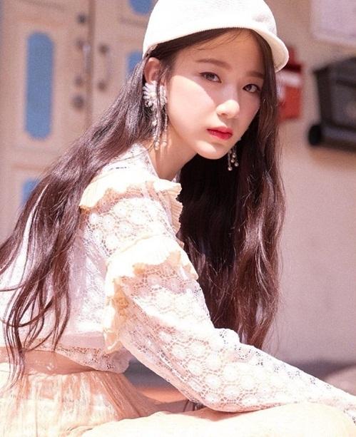 Shuhua đến từ Đài Loan và đang là nữ thần mới được các fan Kpop tìm hiểu, chọn làm bias ngay sau khi debut.