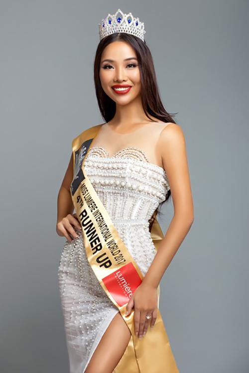 Á hậu 4 cuộc thi Miss Lumiere International World 2017 cho biết đi hát không phải kiếm tiền mà thỏa mãn tham vọng của bản thân.