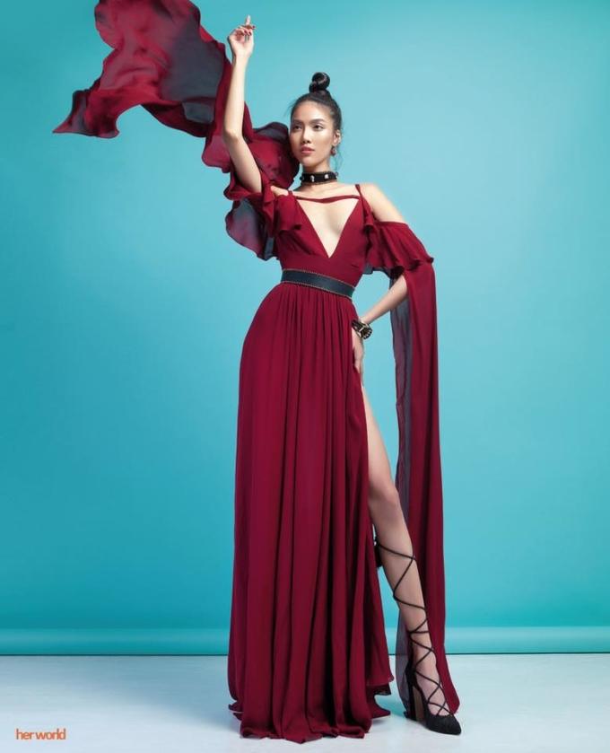 <p> Anh cũng từng hợp tác với nhiều mỹ nhân Việt trong những bộ ảnh high fashion cho các tạp chí thời trang.</p>