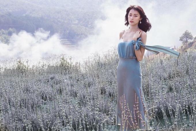 <p> Diễn viên Hạ Vi trong một bộ ảnh lookbook thời trang được thực hiện bởi Mì Gói.</p>