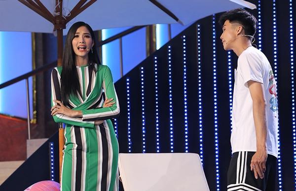 Tại chương trình, Hoàng Thùy còn lần đầu trổ tài diễn kịch cùng Ninh Dương Lan Ngọc.