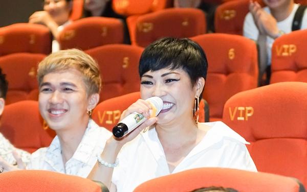Ca sĩ Phương Thanh phấn khích khi xem phim của Huỳnh Lập sản xuất. Chị bày tỏ sự ngưỡng mộ với đàn em bởi khả năng sáng tạo.