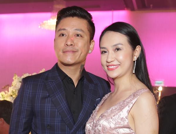 Tuấn Hưng dẫn vợ con dự đám cưới ca sĩ Lâm Vũ - 1