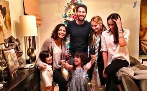 Meghan xuất hiện trong ngày lễ Giáng sinh của nhà Benita.