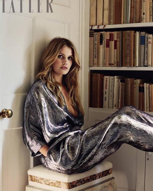 Niềm đam mê thời trang của Lady Kitty Spencer còn thể hiện trong việc cô thường xuyên nhận lời làm người mẫu chụp hình cho các tạp chí.