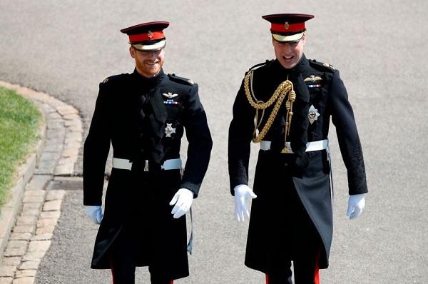 Dân mạng bấn loạn trước vẻ ngoài điển trai của hoàng tử Harry tại đám cưới