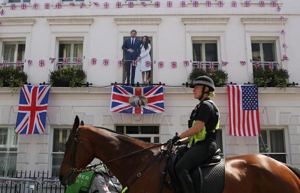 Dân tình đổ xô đặt chỗ tại Windsor để được chứng kiến đám cưới giữa Harry và Meghan