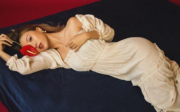 Quỳnh Anh Shyn đẹp như tranh trong photoshoot mới.