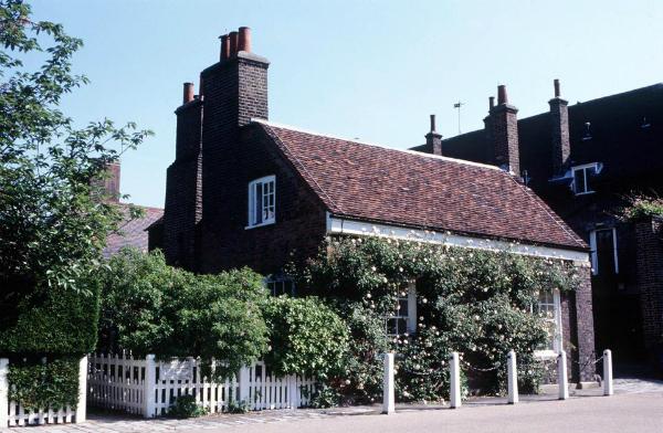 Cận cảnh ngôi nhà của Harry và Meghan.