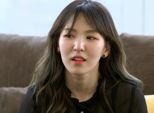 Trước những lời chê bai nhan sắc, những khán giả từng gặp Wendy ngoài  đời đều cho rằng cô nàng trông đẹp hơn tới... 1.000 lần so với hình ảnh  trên TV.