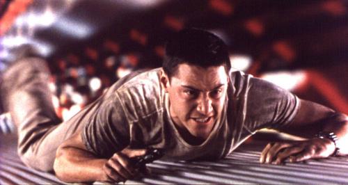 Phim có những pha hành động nguy hiểm đến tính mạng diễn viên.
