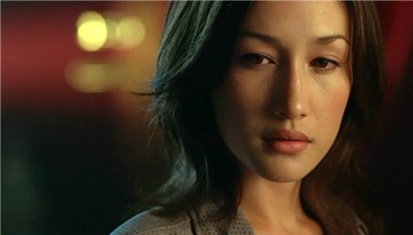 Maggie Q đảm nhận vai nữ sát thủ Charlene Ching trong Naked Weapon.