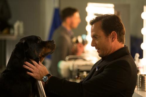 Cười vỡ bụng với những chú cún cưng có khả năng phá án trong Show Dogs - 1