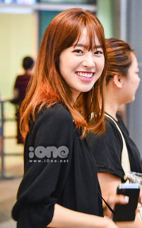 Cô vươn lên hàng ngôi sao chỉ sau các vai phụ trong Its Okay, Daddys Girl và The Duo. Đến bộ phim Bridal Mask, người đẹp trở thành nữ diễn viên trẻ đình đám của màn ảnh Hàn.