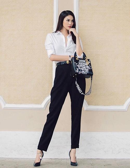 Chiếc quần này phù hợp với nhiều phong cách, từ thanh lịch cho đến năng động.