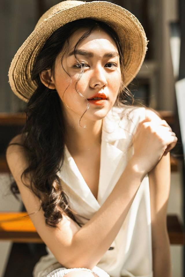"""<p> <strong>Nguyễn Tường San:</strong>Tường San (hay còn gọi là San Nguyễn) là nữ sinh nổi bật của THPT Phan Đình Phùng (Hà Nội) - nơi được mệnh danh là """"lò luyện hot girl"""".</p>"""