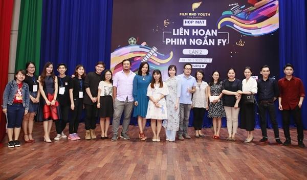 Bạn trẻ hào hứng với cuộc thi phim ngắn FLY lần 2.