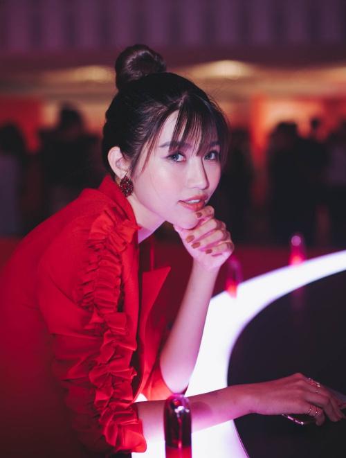 Quỳnh Châu cho biết: Châu cảm thấy vinh dự khi được là đại diện duy nhất của Việt Nam xuất hiện tại đây. Châu từng góp mặt trong nhiều sự kiện nhưng lần này rất đặc biệt. Với Châu, nước Nhật là một nơi tuyệt vời, gắn với nhiều kỷ niệm đẹp. Đây là lần thứ 3 Châu sang Nhật nhưng cảm giác thích thú, hào hứng vẫn vẹn nguyên như lần đầu.