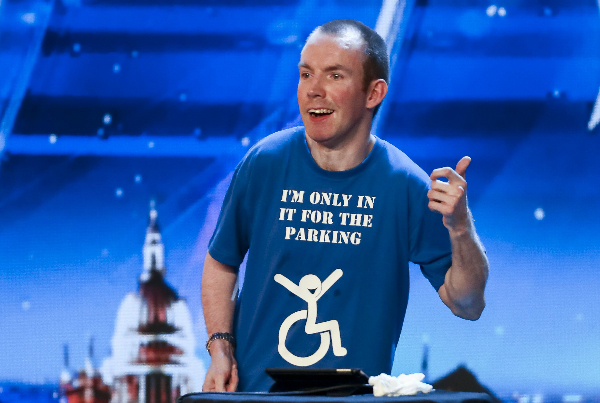 Lee Ridley với nghệ danh Lost Voice Guy.