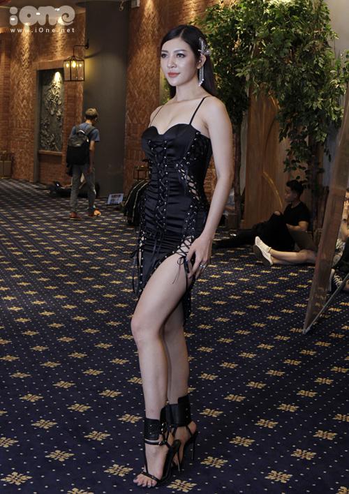 Thiên Hương từng được nhiều khán giả quen mặt qua cuộc thi Hoa hậu Hoàn vũ Việt Nam 2017. Cô cũng được nhiều người mệnh danh là bản sao Lý Nhã Kỳ.