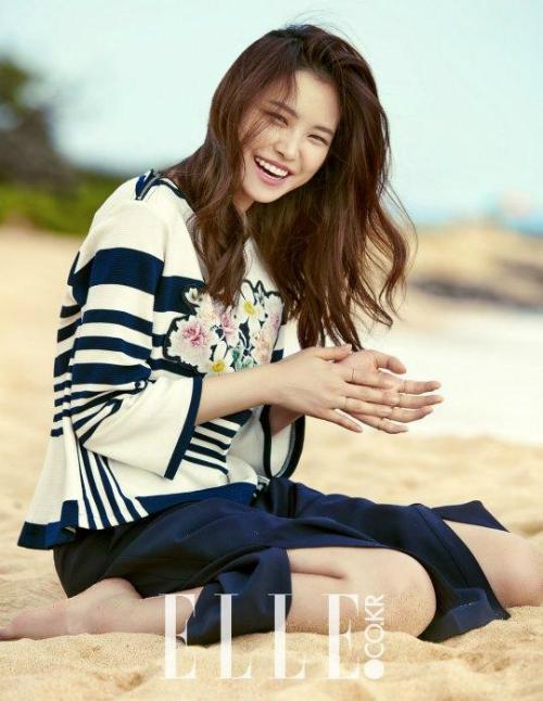 Bình thường Na Eun xinh đẹp là vậy.