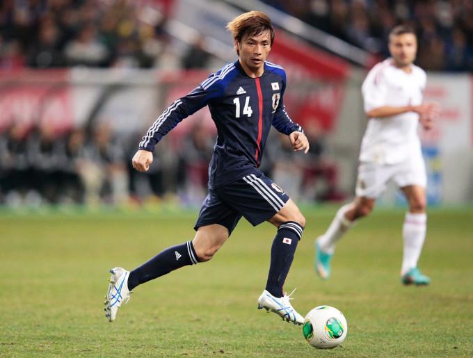 <p> Cầu thủ nhẹ nhất trong đội hình là Takashi Inui nặng 59 kg. Anh khoác áo ĐT Nhật Bản và thi đấu ở vị trí tiền vệ.</p>