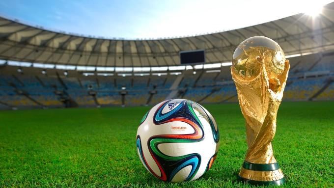 <p> Hiện tại, danh sách các cầu thủ chính thức tham dự World Cup 2018 của 32 ĐTQG đã được chốt xong. Tổng cộng sẽ có 732 cầu thủ cùng nhau tranh tài tại giải bóng đá lớn nhất hành tinh. <em>FIFA </em>và<em>Telegraph</em> vừa hé lộ những thống kê thú vị từ danh sách này.</p>