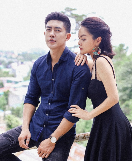 Cao Lâm Viên là diễn viên nam chính trong MV. Sau 8 năm kể từ MV Người dưng ngược lối, cả hai có dịp tái ngộ.