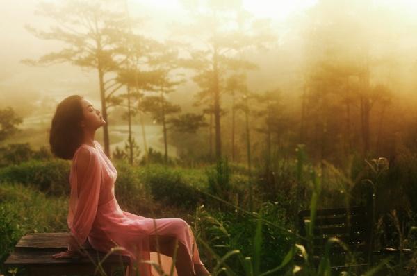 Phạm Quỳnh Anh thực hiện MV như một lời cảm ơn tới những ai vẫn luôn yêu mến, tin tưởng và chờ đợi âm nhạc của cô những năm tháng qua.