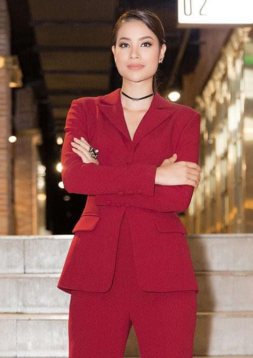 Phạm Hương xinh