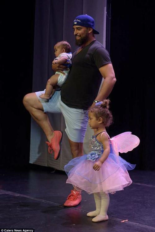 Daniels nhận về mưa lời khen vì tình yêu dành cho cô con gái.