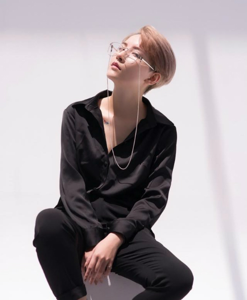 Trần Hồng Xuân (biệt danh Morr, sinh năm 1993, ở Lạng Sơn). Cô là người mẫu, sở hữu chiều cao1,63m. Dù không quá nổi bật nhưng cô tạo được thương hiệu nhờ mái tóc undercut và khuôn mặt xinh đẹp, quyến rũ.