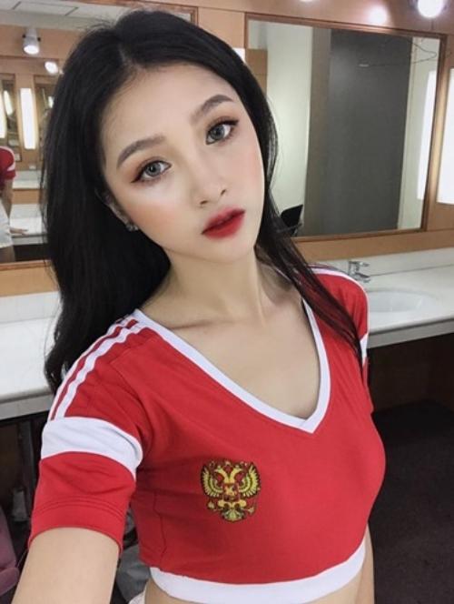 Hot girl Linh Thỏ