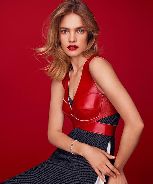 Người đẹp 32 tuổi sở hữu chiều cao 1,76 m cùng số đo nóng bỏng, là gương mặt yêu thích của các tạp chí, thương hiệu thời trang cao cấp và cả nhãn hàng nội y.