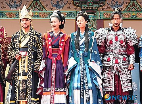6 phim cổ trang Hàn Quốc được đầu tư trang phục hoành tráng nhất - 4