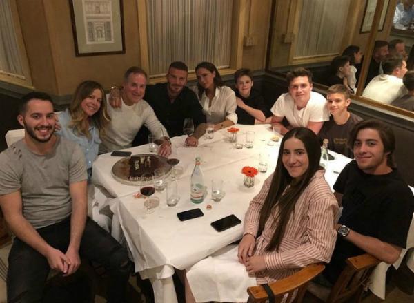 Đã lâu rồi gia đình Beckham mới sum họp đông đủ.