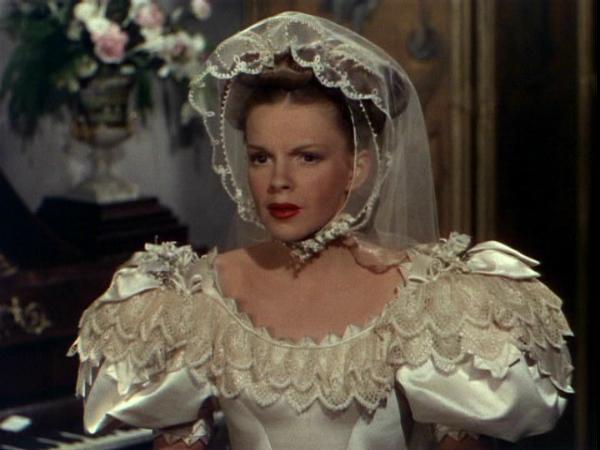 Những chiếc váy cưới thảm họa trong lịch sử phim ảnh Hollywood - 2