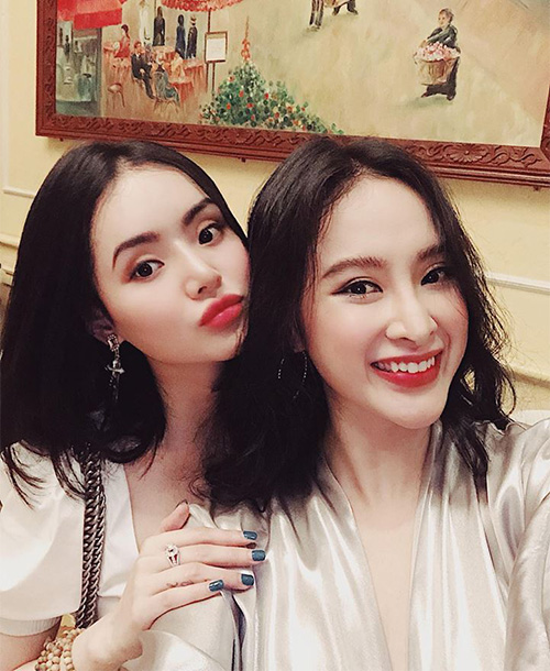 Hai chị em Angela Phương Trinh so độ xinh đẹp mỗi người một vẻ.