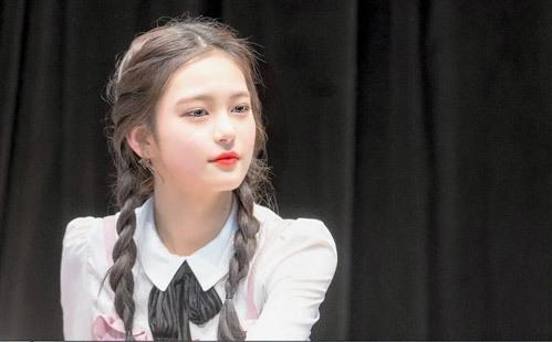 7 idol Hàn mới 15 tuổi đã xinh hết phần người khác - 1