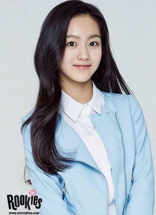 7 idol Hàn mới 15 tuổi đã xinh hết phần người khác - 2
