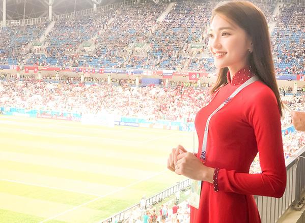 Chỉ mới vài ngày ở Nga,  Cô có dịp đi đến các sân vận động nơi mà các trận đấu trong khuôn khổ world cup 2018 diễn ra. Tại đây Ngọc Nữ đã có dịp gặp gỡ giao lưu với bạn bè quốc tế, cùng chung tình yêu với trái bóng nhũng con người xa lạ từ khắp năm châu nhanh tróng bắt đầu câu chuyện quanh trái bóng những câu chuyện không hồi kết ấy đã kéo mọi người đến gần nhau hơn.