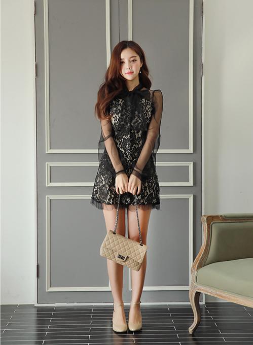 Trang phục đến từ thương hiệu nội địa giá bình dân Chlo.d Manon và còn được tìm thấy trên trang mua sắm online Taobao.
