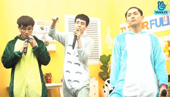 Đội của em út Grey D nhiệt tình thể hiện bài hát Tình yêu màu nắng.