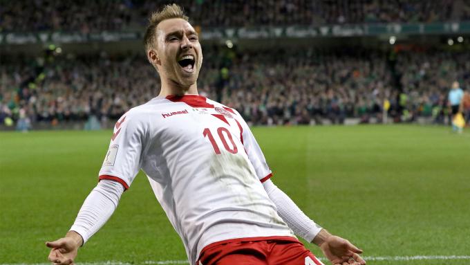 """<p> <strong>Christian Eriksen (Đan Mạch): </strong>Khả năng cầm trịch trận đấu của ngôi sao Tottenham đã giúp Đan Mạch tràn trề cơ hội lọt vào vòng trong khi đã tích lũy được 4 điểm sau trận hòa trước đội tuyển Australia, trận đấu mà Eriksen là người ghi bàn mở tỷ số. 1 bàn thắng cùng 1 đường kiến tạo, tầm quan trọng và ảnh hưởng của Eriksen lên lối chơi của những """"chú lính chì"""" là không thể thay thế. Với một Eriksen khỏe mạnh và chơi với 100% phong độ, Đan Mạch có quyền mơ những giấc mơ xa hoa nhất tại World Cup lần này.</p>"""