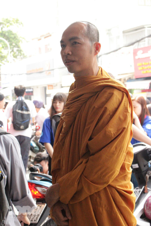 Anh Mười Một hiện đang tu ở chùa Phú Nhuận và đi thi với nguyện vọng có bằng cấp 3.