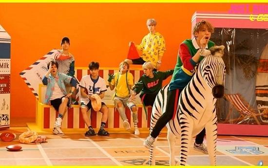 Bạn có nhớ các chi tiết trong MV của GOT7? - 9