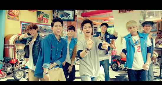 Bạn có nhớ các chi tiết trong MV của GOT7? - 1