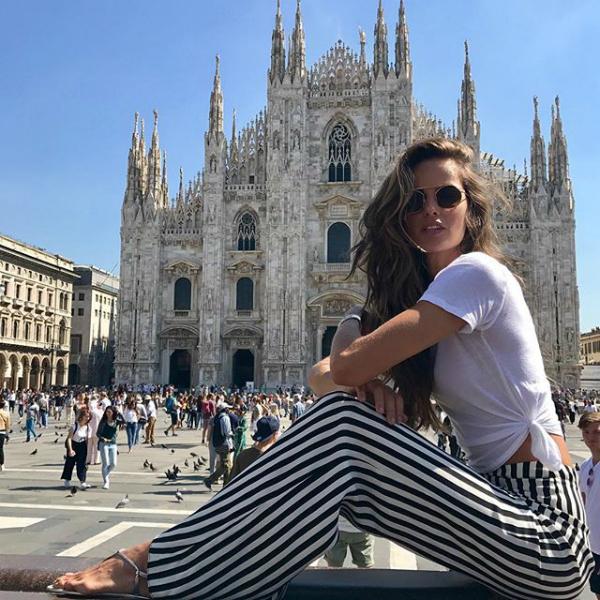 Izabel Goulart là một trong những siêu mẫu muộn chồng nhất trong dàn chân dài của Victorias Secret.