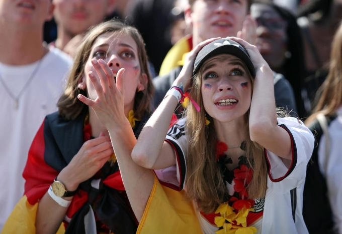 """<p> Đội tuyển Đức nhận về phản ứng dữ dội từ chính người hâm mộ quê nhà. """"Phẫn nộ"""", """"ê chề"""", """"nhục nhã"""" là những từ được sử dụng nhiều nhất khi nói về tâm trạng của cầu thủ và CĐV Đức lúc này.<br /> </p>"""